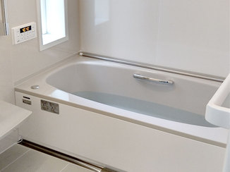 バスルームリフォーム 寒さとは無縁なオーダーサイズのユニットバス